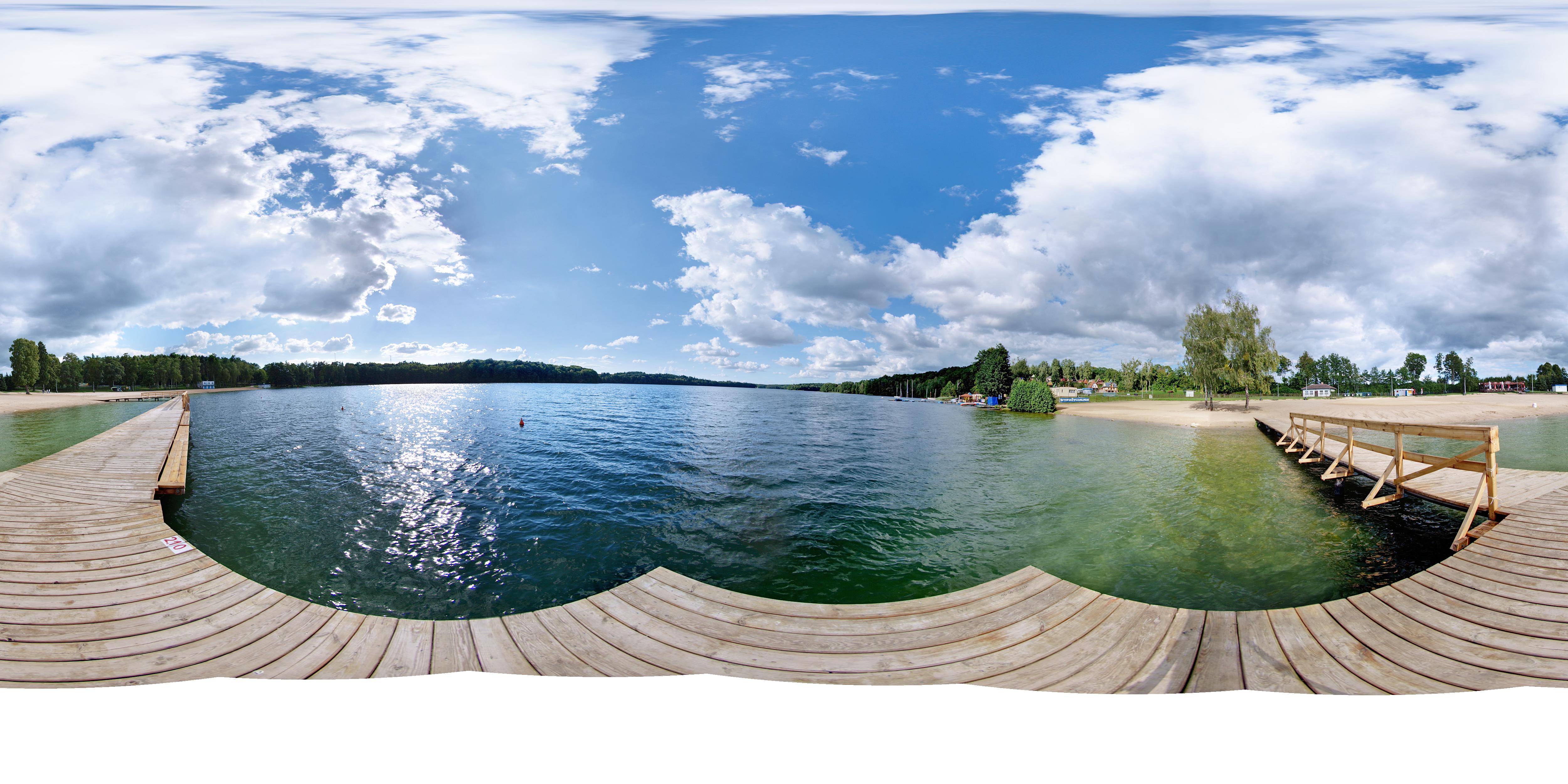 - jezioro_lipie_w_miejscowosci_dlugie.jpg